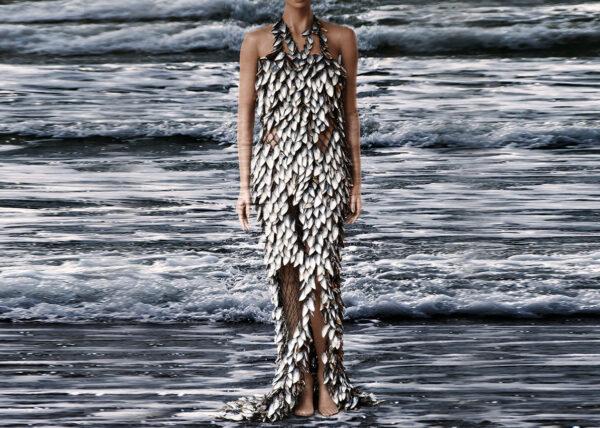 Agnes van Dijk modekunst - jurk in zeeeindhoven | fasion art ocean adventure DDW