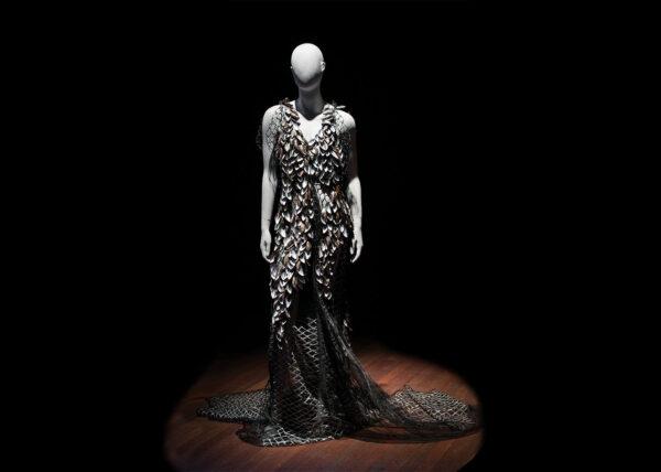 Agnes van Dijk modekunst | mosselen miss Beindhoven | fasion art ocean adventure DDW