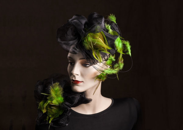 Headpiece green feathers Agnes van Dijk fasionart, modekunst, modecapriole, fashion, mode, Eindhoven, the netherlands, nederland