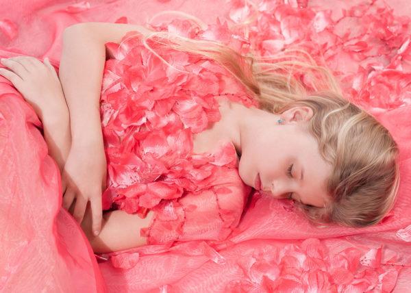 Agnes van Dijk fasionart, modekunst, modecapriole, fashion, mode, Eindhoven, the netherlands, nederland roses dress