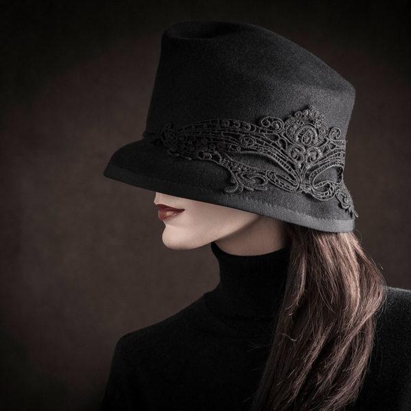 Agnes van Dijk fasionart, modekunst, Hat, black Greta Garbo, Eindhoven the netherlands, nederland