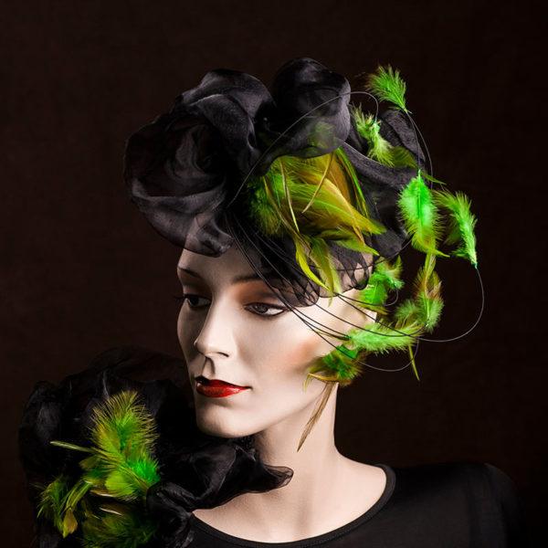 Agnes van Dijk fasionart, modekunst, H, green feathers, Eindhoven the netherlands, nederland