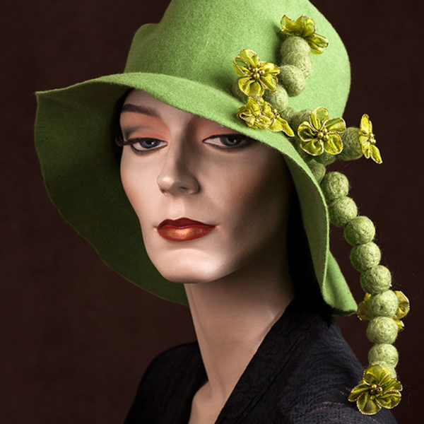 Agnes van Dijk fasionart, modekunst, Hat, green with little green balls, Eindhoven the netherlands, nederland