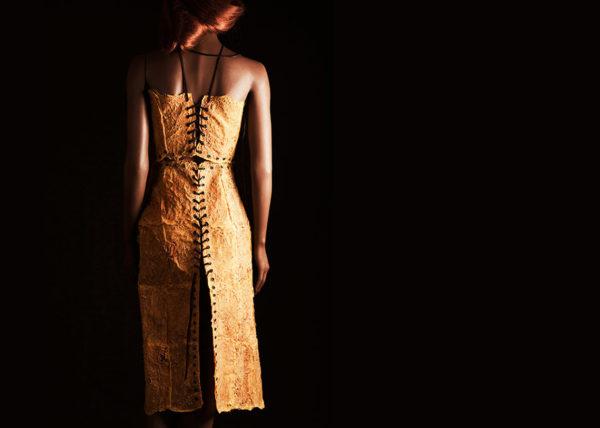 Sinasappelkraag II | Agnes van Dijk - Modekunstenaar, Mode / Fashion 2020