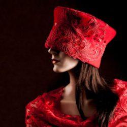 Agnes van Dijk fasionart, modekunst, Hat, red lace, Eindhoven the netherlands, nederland